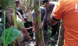 olah TKP dan pembongkaran makam mayat bayi yang ditemukan di saluran irigasi Dusun Jatirowo, Desa Jatigedong, Kecamatan Ploso, Kabupaten Jombang.
