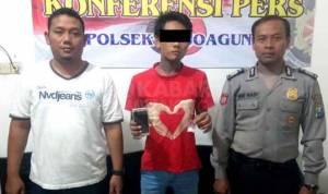 Tersangka pil koplo saat diamankan di Polsek Mojoagung Jombang