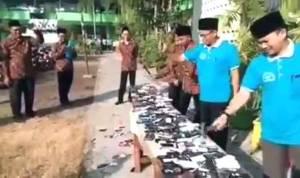 Capture video penghancuran HP di MAN 3 Jombang