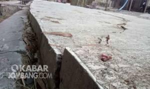 Jalan rabat di pandanblole ploso jombang pecah