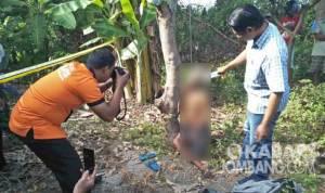 Olah TKP Gantung diri di Sumobito Jombang
