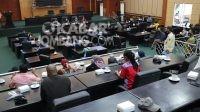 Suasana hearing di ruang rapat paripurna DPRD Jombang