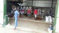 Aktivitas pabrik penggilingan bulu ayam di Dusun Jambe, Desa Bangsri, Kecamatan Plandaan, Kabupaten Jombang. (Foto: Istimewa)