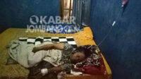 Seorang wanita lanjut usia (lansia) bernama Katin berusia 60 tahun warga Desa Kaliwungu, Kecamatan/Kabupaten Jombang memilih tidak pergi ke rumah sakit untuk mencari pengobatan karena takut dicovidkan oleh pihak RS. KabarJombang.com/Diana Kusuma/