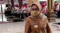 Bupati Jombang Mundjidah Wahab usai pelantikan pengurus perhimpunan penyuluh pertanian (Perhiptani), Senin (29/3/2021). KabarJombang.com/Anggraini Dwi/