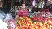Lapak pedagang sayur dan bahan pokok di Pasar Tradisional Blimbing. Kabarjombang.com/Daniel Eko/