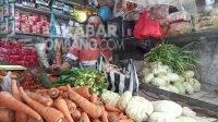 Penjual sayuran di Pasar Pon Jombang. KabarJombang.com/Daniel Eko/