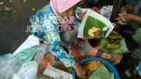 Nasi jagung Satiyah di Pasar Legi Jombang. KabarJombang.com/Diana Kusuma/