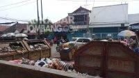 Tempat pembuangan sampah pasar legi Jombang. Kabarjombang.com/Daniel Eko/