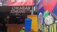 Kedai bakso cinta di jalan raya Tembelang-Ploso Jombang. KabarJombang.com/M Fa'iz/