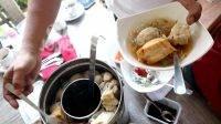 Kuliner bakso dandang. KabarJombang.com/Muji Lestari/