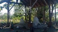 Makam Mbah Mur, pembabat hutan Dusun Boro Cilik, Desa Gedangan, Kecamatan Sumobito, Kabupaten Jombang. Kabarjombang.com/M Fa'iz H/
