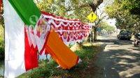 Cerita Diki Penjual Bendera Musiman, Korban PPKM Pilih Jombang Sebagai Tempat Usaha