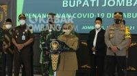 Bupati Jombang, Mundjidah Wahab ketika press conference di Pendopo Jombang.