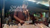 Sembako Stabil, Harga Daging di Pasar Pon Jombang Mengalami Penurunan
