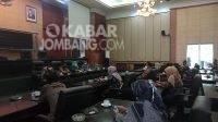 Hearing Kepala Desa se-Kecamatan Diwek dengan Komisi D DPRD Jombang terkait dugaan dobel anggaran rumah sehat isolasi terpusat, Selasa (31/8/2021). KabarJombang.com/Daniel Eko/