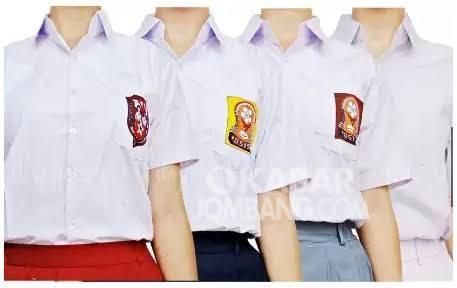 merefokusing anggaran pengadaan kain seragam gratis bagi siswa sebesar Rp 16 miliar, untuk kepentingan penanganan Covid-19