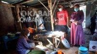Pembuatan jamu herbal covid-19 di Desa Tanggalrejo, Kecamatan Mojoagung Kabupaten Jombang.