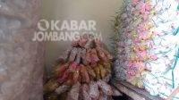 Kerupuk pasir di Mojoagung, Jombang. KabarJombang.com/Ziyadatul Imaniyah/