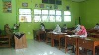 PTM dilakukan secara serentak di Kabupaten Jombang, siswa baru antusias. Senin (13/9/2021). KabarJombang.com/Daniel Eko/