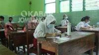 Walimurid di Jombang Bingung, Tanyakan Kepastian Seragam Gratis