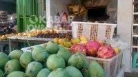 Harga buah lokal di sejumlah pasar tradisional Kabupaten Jombang alami kenaikan, Rabu (8/9/2021). KabarJombang.com/M Faiz H/