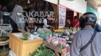 Malam Jumat Legi, Tradisi Nyekar Makam Leluhur Tetap Lestari di Jombang