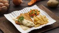 Steak ayam crispy ala restoran, bisa dibuat di rumah.